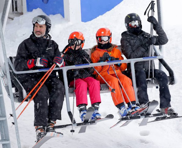 King Felipe, Queen Letizia and their two daughters Princess Leonor and Infanta Sofia on winter holiday at Astún Ski Center in Jaca