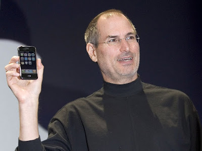 Steve Jobs presenting the first iphone