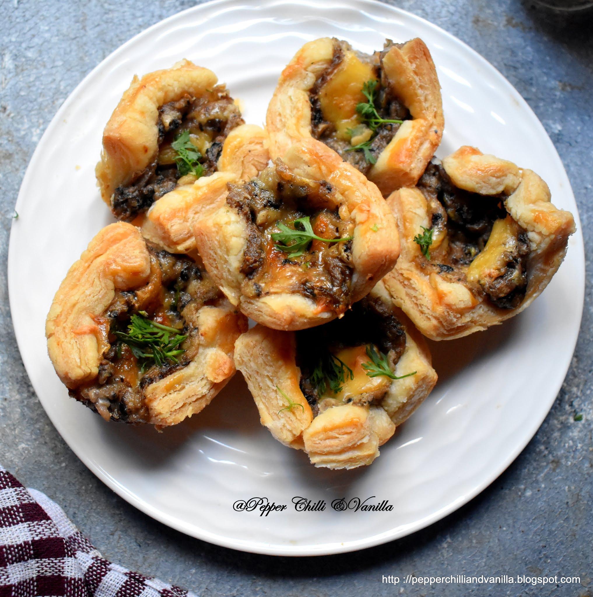 bakery style mushroom puffs,easy homemade mushroom puffs, mushroom pattice