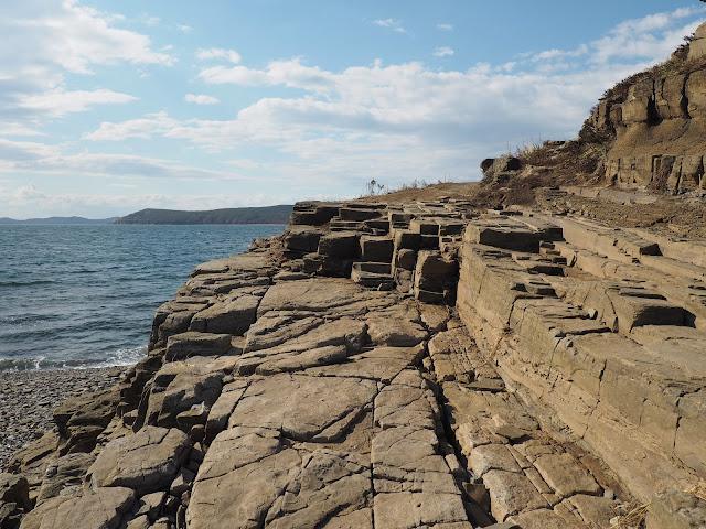 Владивосток, остров Русский, мыс Тобизина – камни