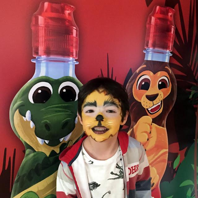 Mi león en el photocall de Lanjarón Kids