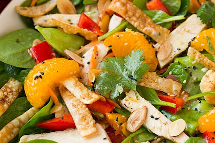 Mandarin Orange Spinach Salad with Chicken and Lemon Honey Ginger Dressing
