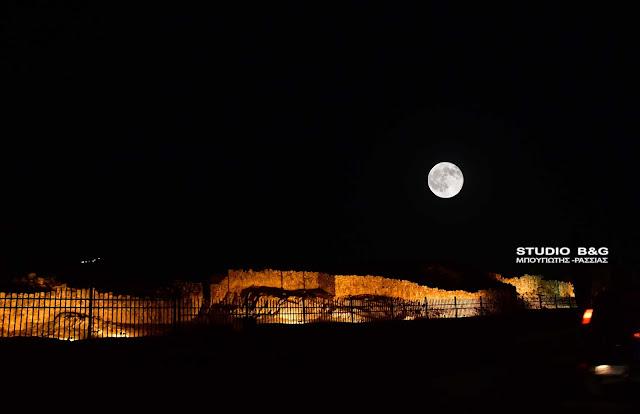 Δύει μελωδικά ο Αύγουστος στους αρχαιολογικούς χώρους του Δήμου Ναυπλιέων