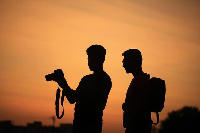 11 Tips Membuat Foto Candid untuk Para Fotografer Jalanan