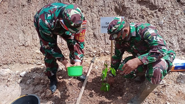 Wagub Audy Joinaldy Lakukan Penanaman Pohon di Lokasi TMMD/N ke 111 Kodim 0306/50 Kota