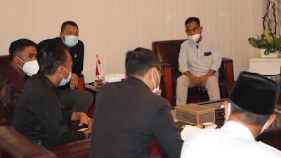 Permudah Koordinasi Petani Tembakau, Gubernur NTB Minta Distanbun Bentuk Tim Khusus