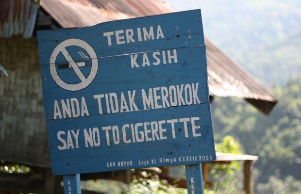 Bone-bone bebas asap rokok