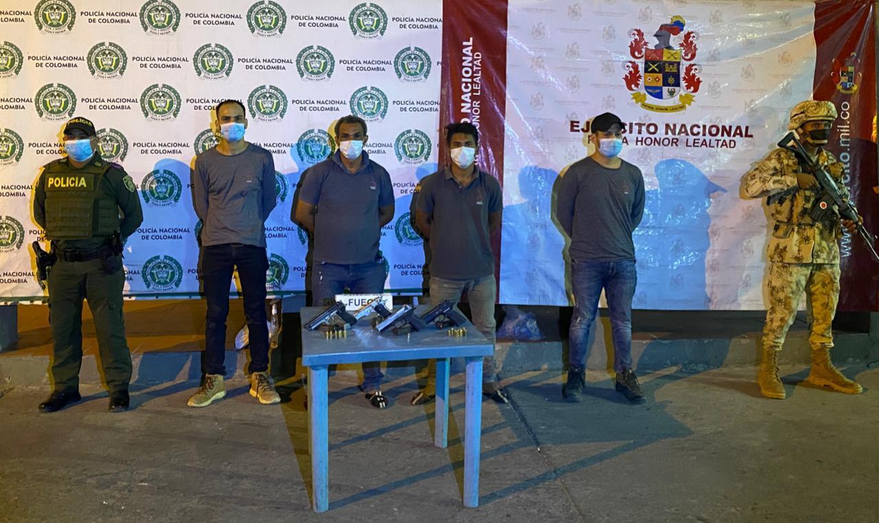 https://www.notasrosas.com/En Maicao: Policía Guajira y Ejército Nacional capturan cuatro personas e incauta tres pistolas y un arma traumática