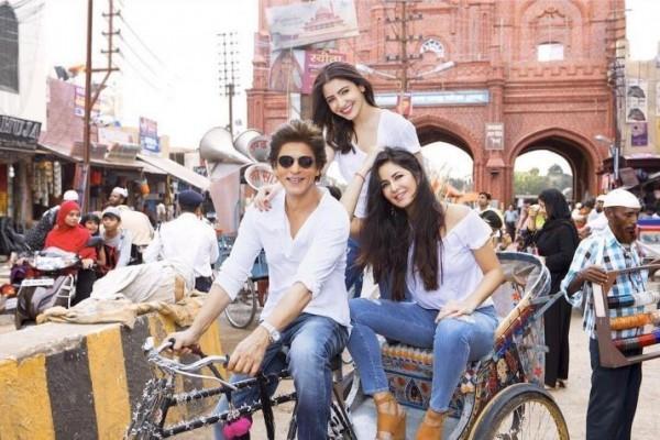 Beda Puluhan Tahun, 10 Artis Ini Cocok Perankan Kekasih Shah Rukh Khan