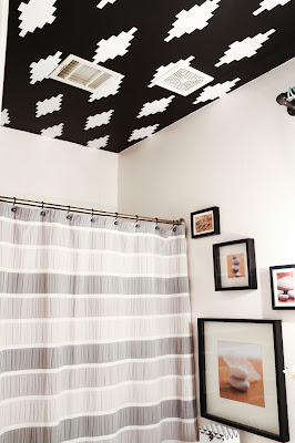 http://kailochic.blogspot.com/2015/05/gallery-wall-wednesday-black-and-white.html