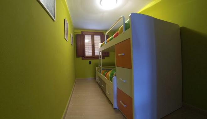 Requena. Casa lucía, la habitación de los niños.