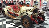 İzmir Torbalıda Özgörkey Şirketler Grubunun Açtığı Klasik Araba Müzesi