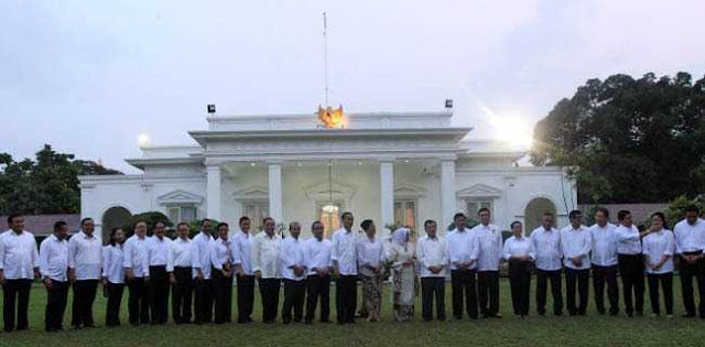 Pak Jokowi, Rakyat Sudah Muak Banyak Anggota Kabinet Kerja I Abaikan Nawacita, Malah Korupsi