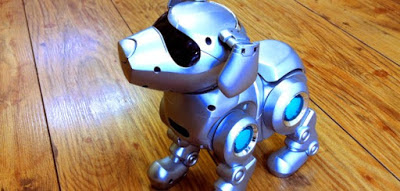 """Tekno the Robotic Puppy"" by Toyloverz – Own work.  Licensed under CC BY-SA 3.0 via Wikimedia Commons"
