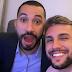 Gilthur: Gil e Arthur se reencontram e atiçam fãs nas redes sociais