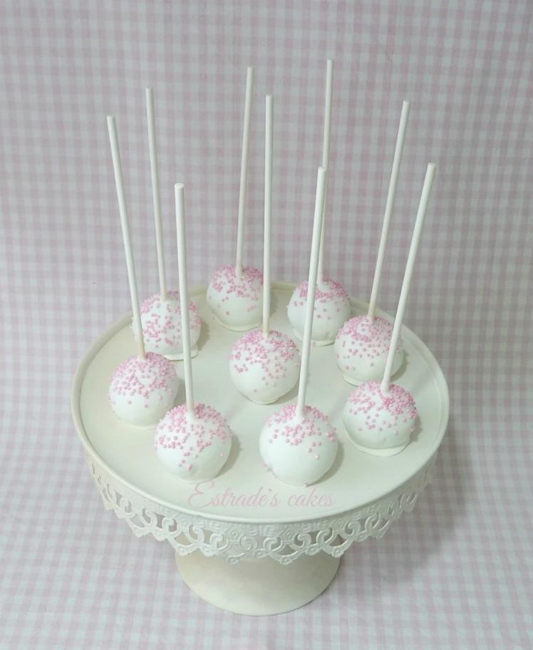 Estrade 39 s cakes cake pops en tonos rosas y blancos for Cobertura para cake pops