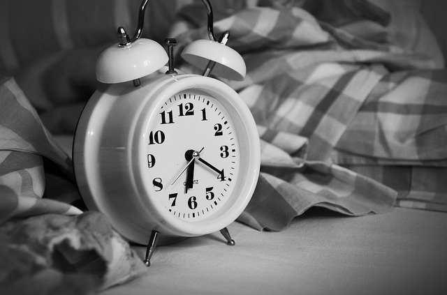 عدد ساعات النوم عند العلماء