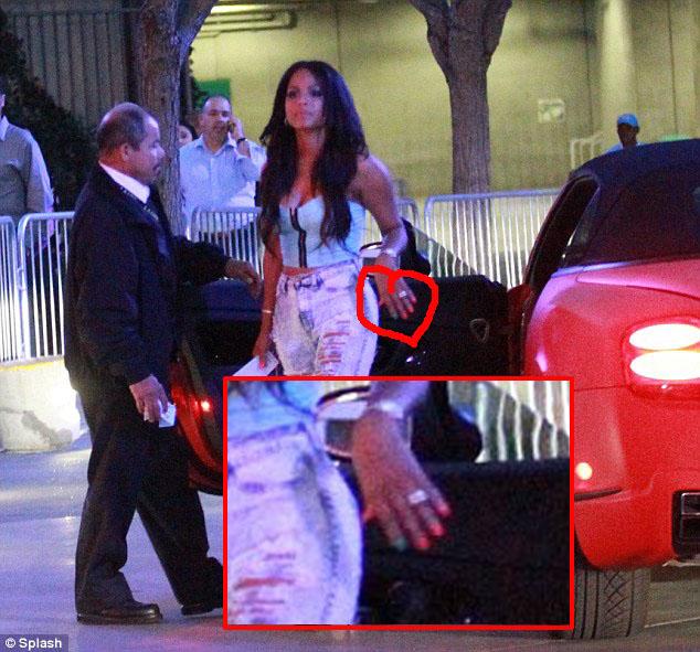 Christina Milian Wedding Ring: Topten Naija: IS THAT AN ENGAGEMENT RING ON CHRISTINA
