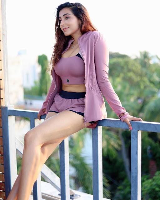 Actress Parvati Nair Latest Hot Photos Actress Trend