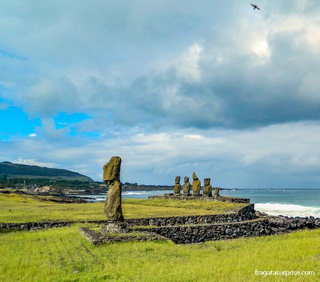 Ahu Tahai, plataforma de moais próxima ao Centro de Hanga Roa, Ilha de Páscoa