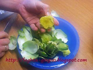 Κατσικάκι με μάραθο και αγκινάρες στη γάστρα - από «Τα φαγητά της γιαγιάς»