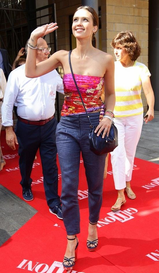 MyMy .. The No Feminist Blog: Jessica Alba à Los Angeles