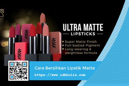 Bersihkan Lipstik Matte dengan Cara Berikut Ini