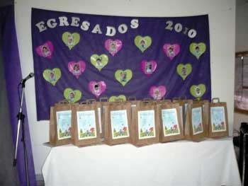 Mi sala amarilla tarjetas regalos y decoraci n para for Decoracion jardin maternal