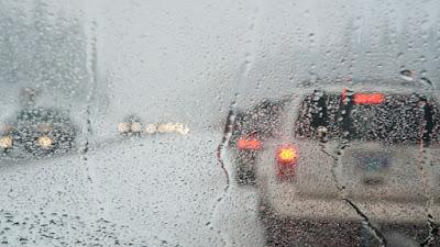 Consejos manejar bajo la lluvia