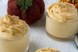 LOW CARB PUMPKIN CHEESECAKE MOUSSE