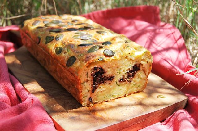Cake courgette - chèvre- tapenade