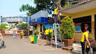 Kapolres cirebon Kota pimpin bersih bersih mako CIKO