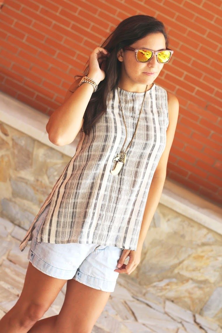 http://m.romwe.com/Grey-Striped-High-Low-Sleeveless-Top-p-172491-cat-672.html?utm_source=simply2wear.com&utm_medium=blogger&url_from=simply2wear