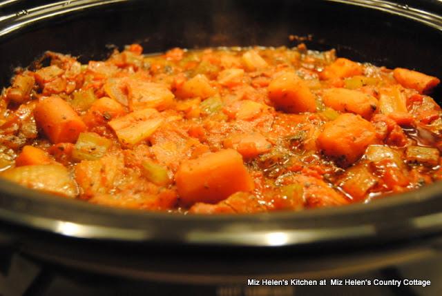 Slow Cooker Italian Pot Roast at Miz Helen's Country Cottage