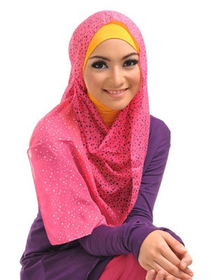 Trend Hijab Terbaru Paling Hits Simple