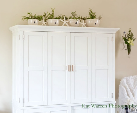 simple Christmas decorating with greenery