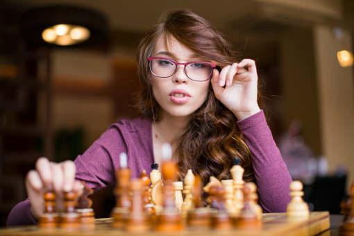Des parties d'échecs intenses, visuelles et vivantes sur internet