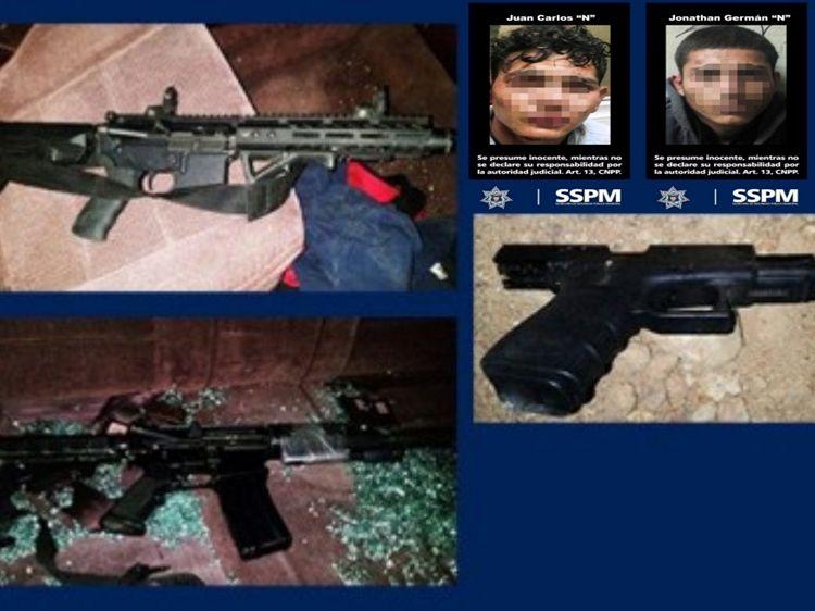 Caen dos sicarios con dos  AR-15, pistola, chaleco y radio