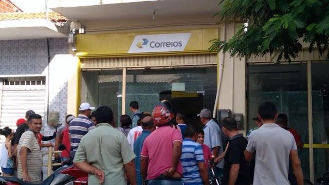 Bandidos assaltam agência dos Correios em Madalena e fazem reféns