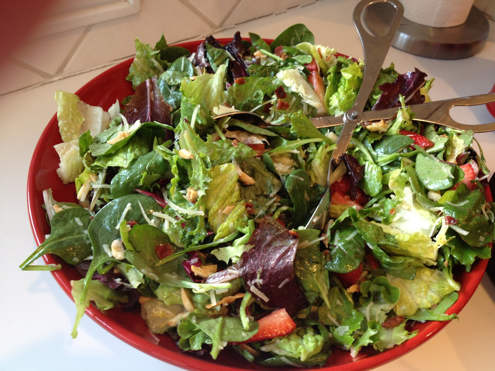 My Favorite Recipes Book: 3 Lettuce Salad with Sweet Red ...