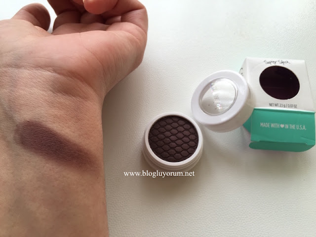 colourpop eyeshadow central perk swatch
