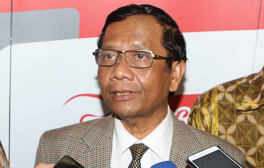 Mahfud MD Sebut Pemerintah Sesalkan Pelanggaran Prokes di Petamburan