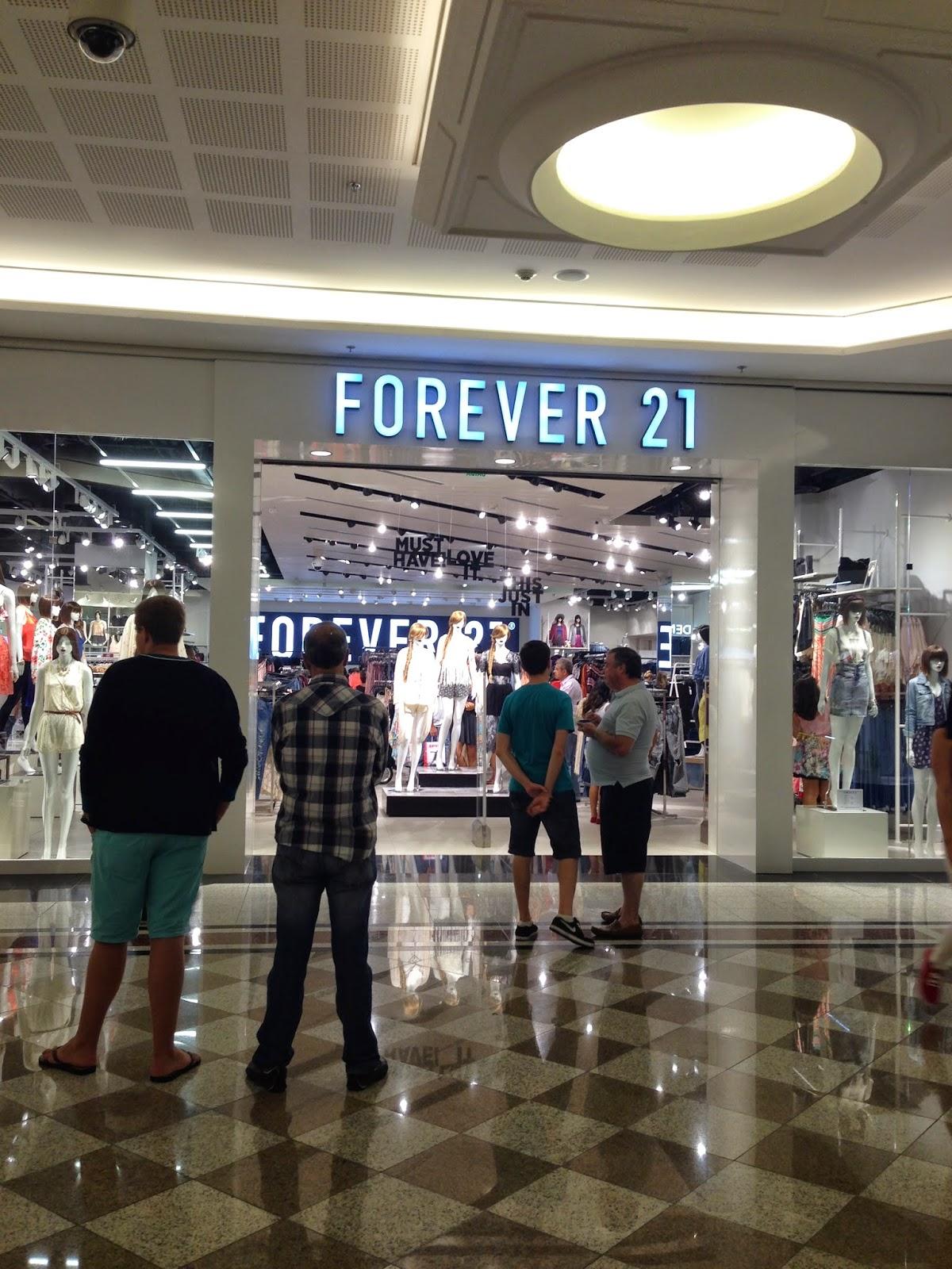 17bb7f6216b5d A norte americana Forever 21 chegou em março de 2014 no Brasil e já tem 11  lojas espalhadas por São Paulo, Porto Alegre e Brasília.