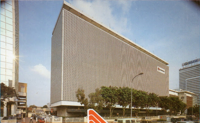 Inkarnasi kedua Oil Centre Building di Jakarta, 1980an