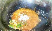 Chilli mushroom sauce with white pepper, onion capsicum