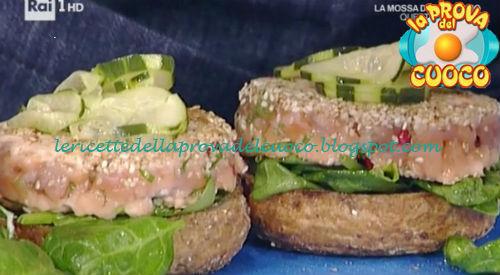 Santa Claus Burger di salmone ricetta Fichera da Prova del Cuoco