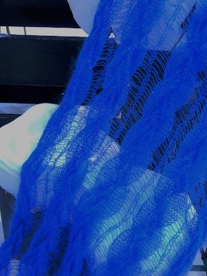 Kobaltblauwe shawls,koningsblauwe kidsilk.