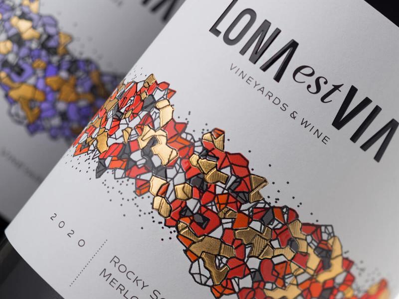 LONA est VIA wine
