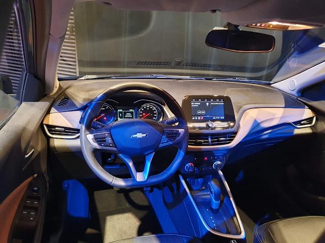 Novo Chevrolet Onix Hatch 2020 - preços, consumo e ficha técnica