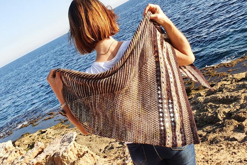 Chusta trójkątna na drutach Matoaka